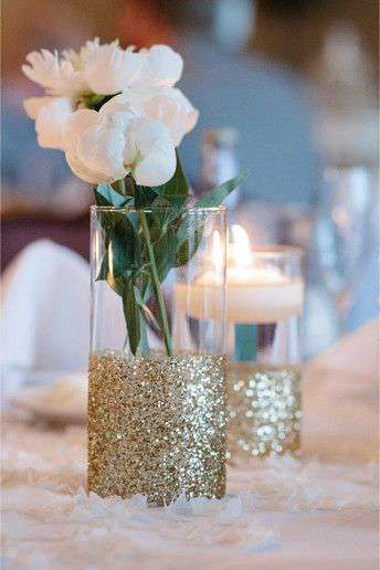 Creative and cheap solutions for wedding table decor